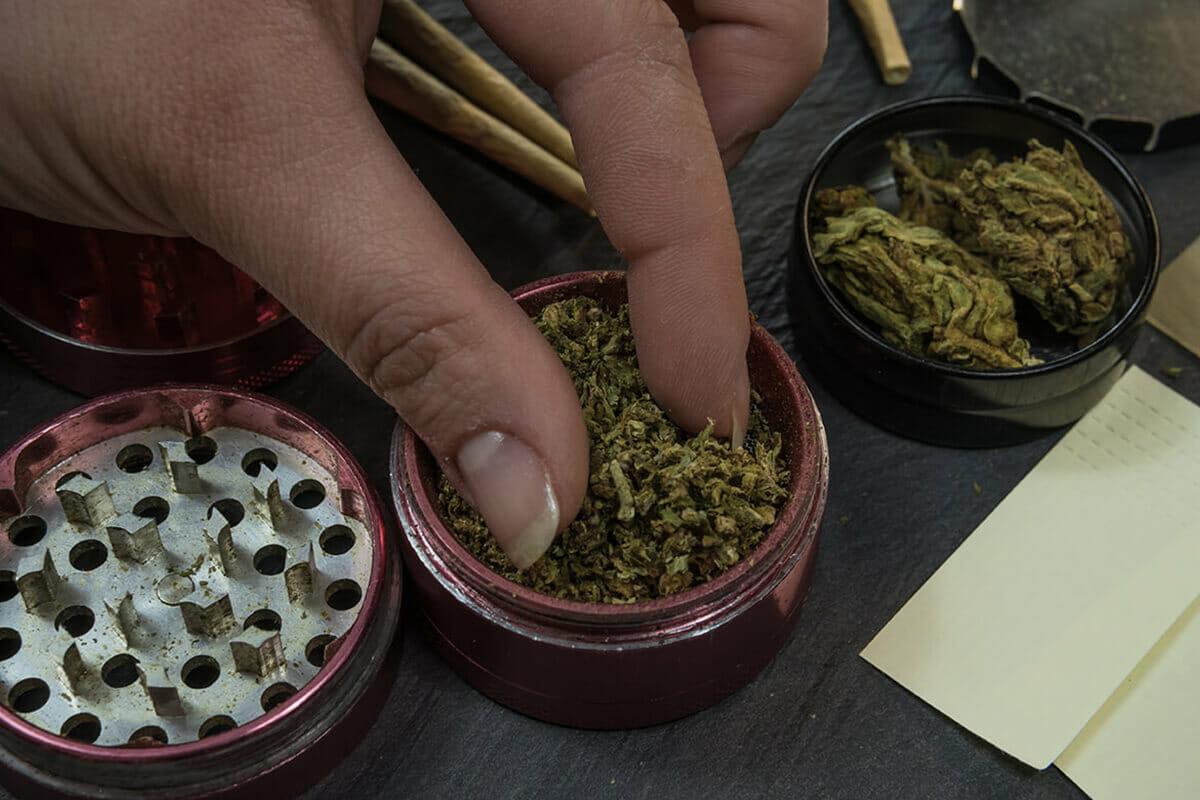 how to smoke hemp flower
